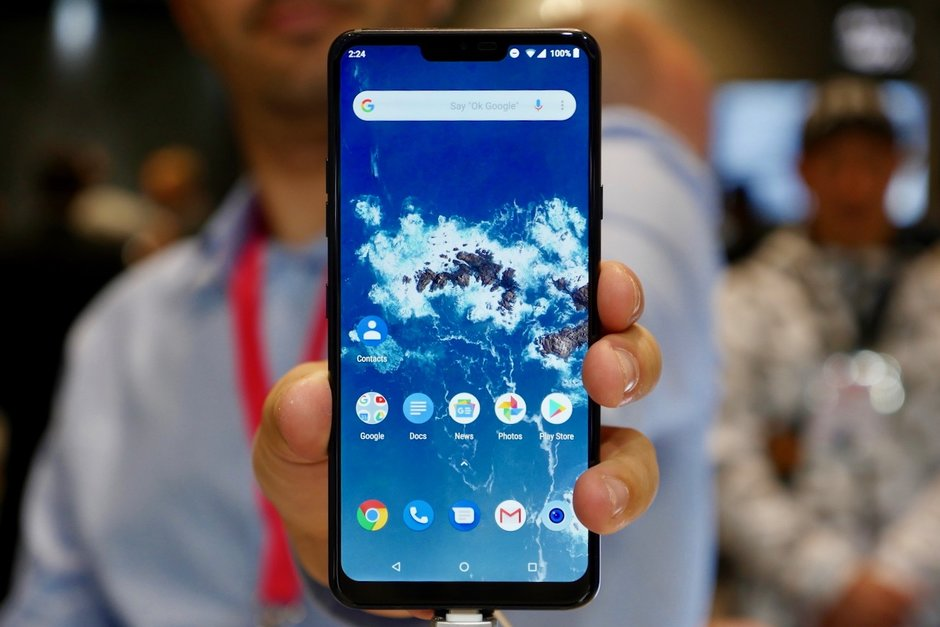 lg-g7-android-one-smartphone-2018